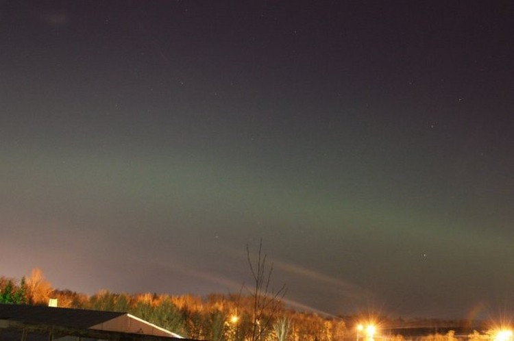 И омичи наблюдали северное сияние.  Фото: Владимир Крупко