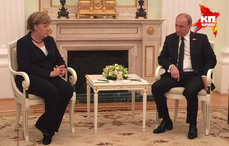 В этой сцене — все переговоры Путина с Меркель
