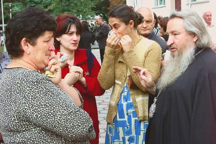 Первое сентября в Беслане ежегодно объявляется траурным днем.