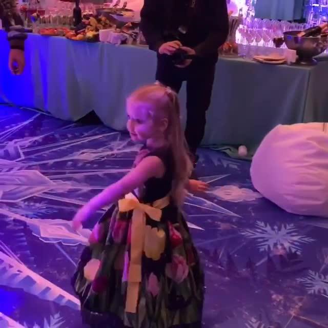 Картинки по запросу Киркоров потратил на день рождения дочери более миллиона рублей