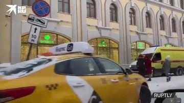 Автомобиль вылетел на тротуар и сбил пешехода в Москве