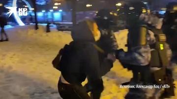 Столкновения ОМОНа с демонстрантами в центре Москвы