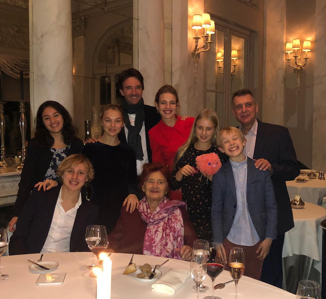 The best gift for this family is clearly an incredible meal and many many many Russian style toasts