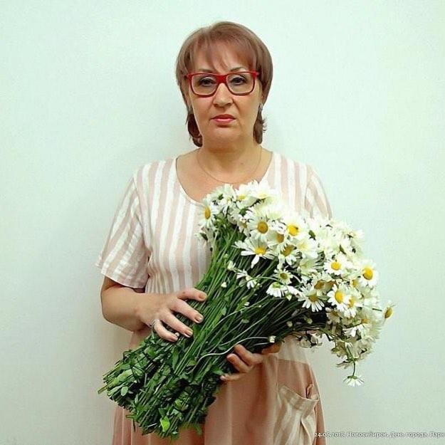 Моя мама, родная, ты у меня самая красивая и любимая! Главное, будь у меня здорова, я с тобой!