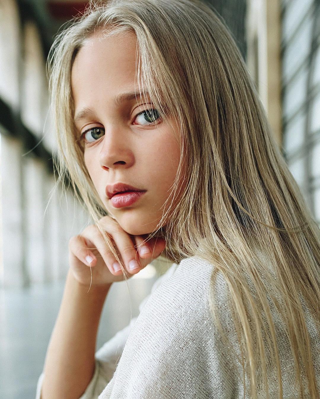 Алиса в моделинге полжизни