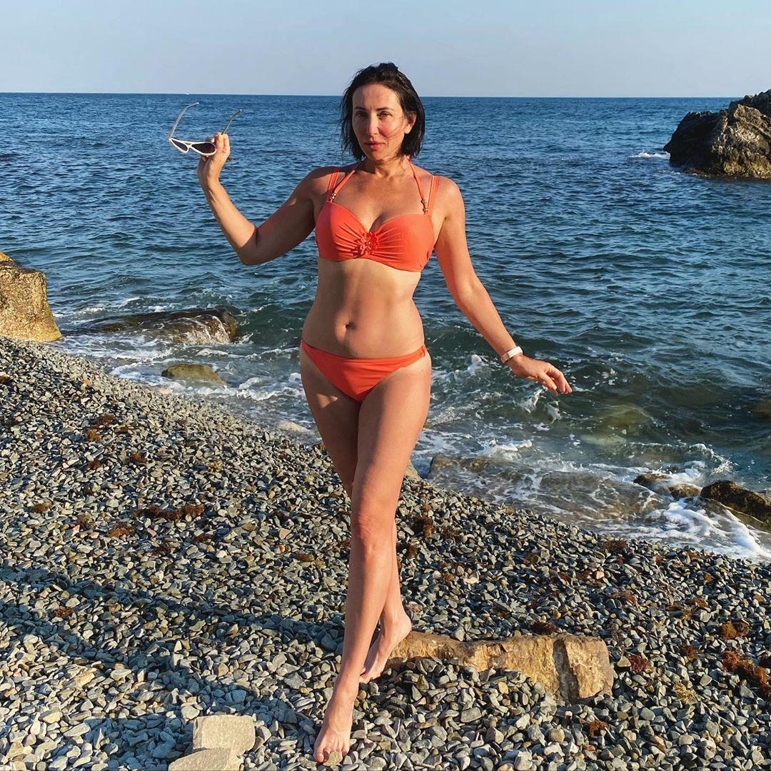 Алика Смехова решила быть стройной и подтянутой девушкой.