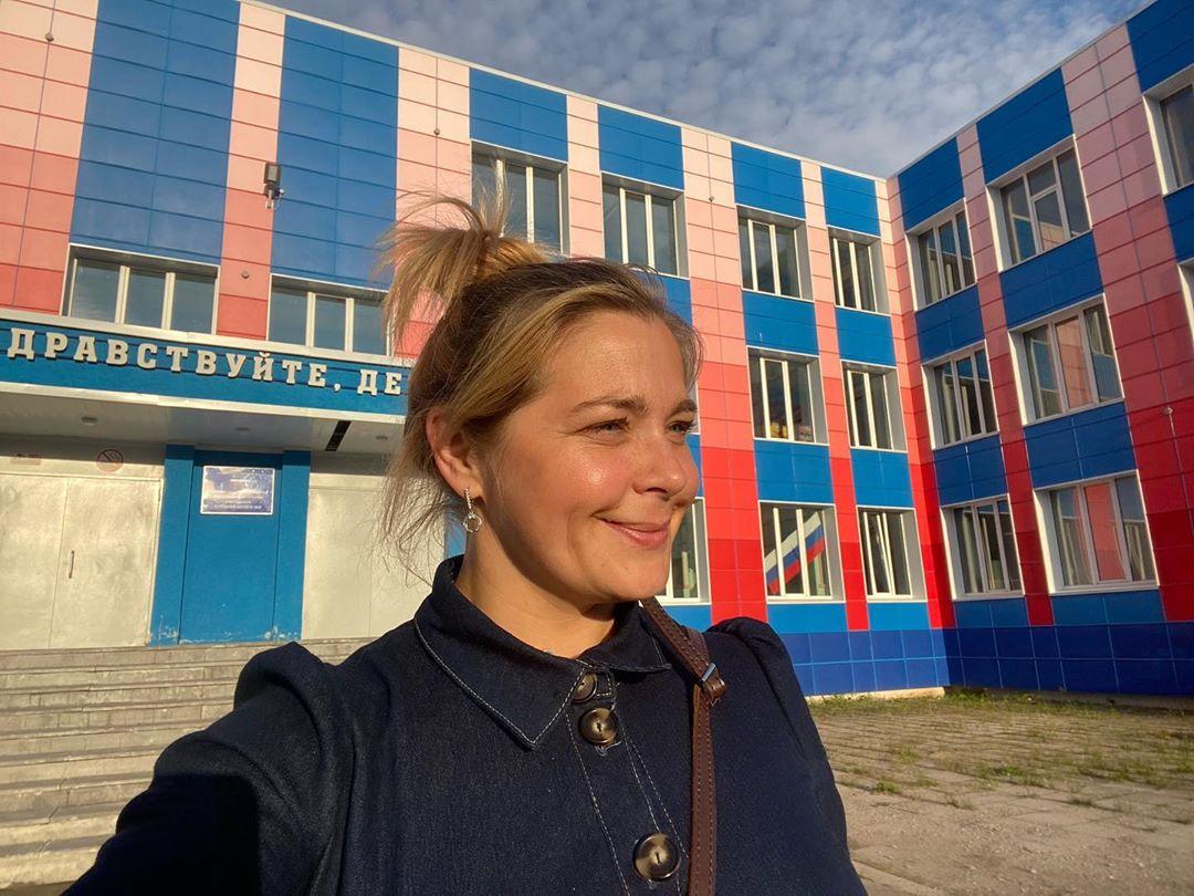 Сходила 1 числа в свою родную школу номер 9 имени Чкалова