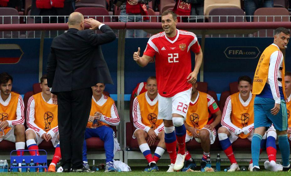 Станислав Черчесов рассказал о работе Артема Дзюбы на Евро. Фото: Global Look Press