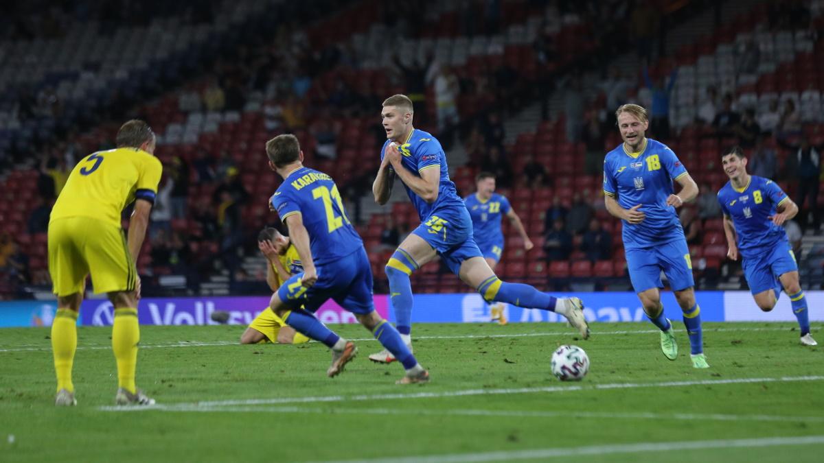 Александр Довбик забил победный гол Швеции на Евро-2020. Фото: REUTERS