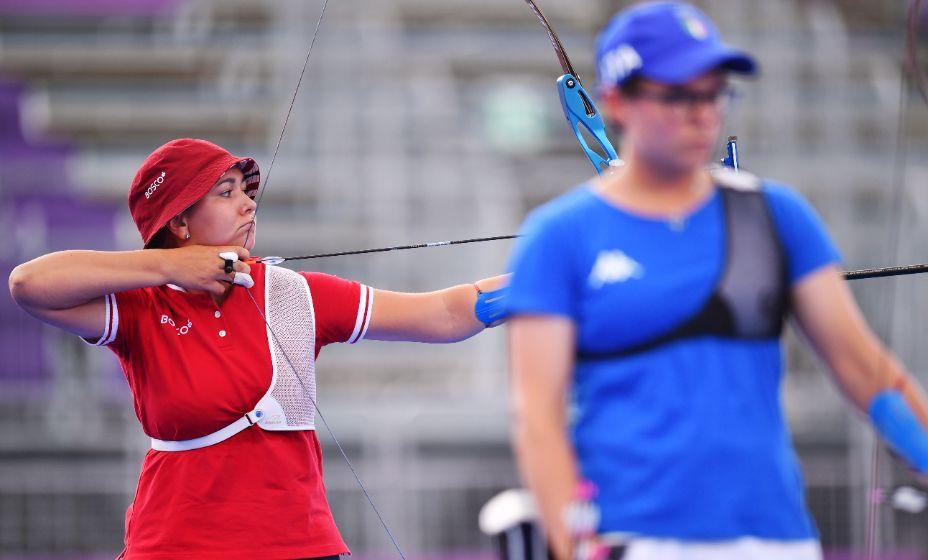 Елена Осипова показала себя на Олимпиаде, обратив внимание болельщиков на стрельбу из лука! Фото: Reuters