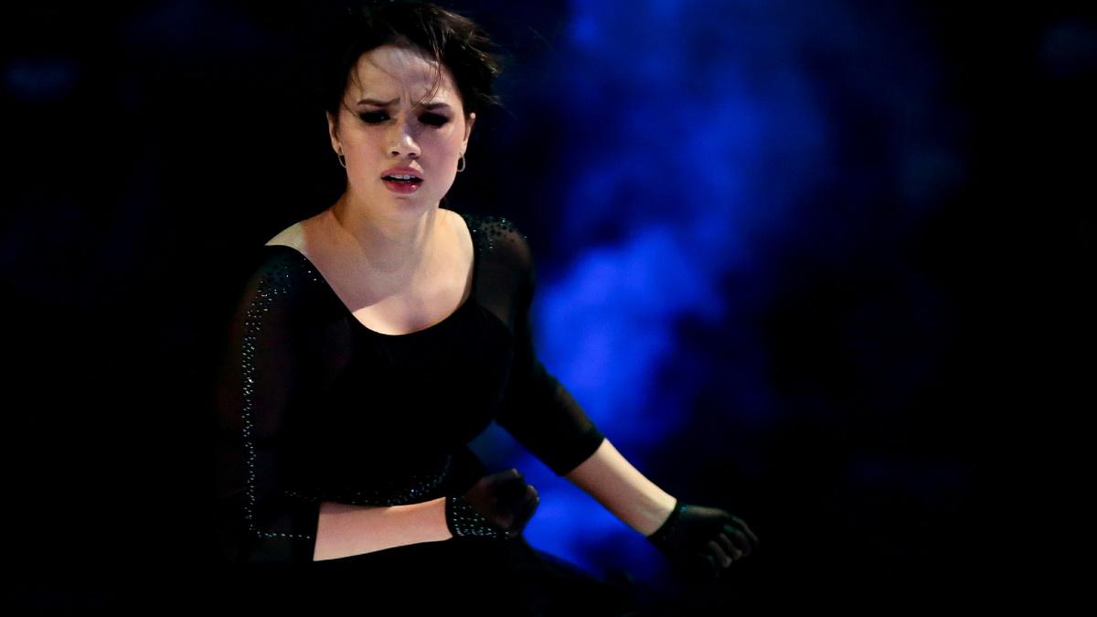 Алина Загитова пока что не дает ответ на вопрос о своей карьере. Фото: GLOBAL LOOK PRESS